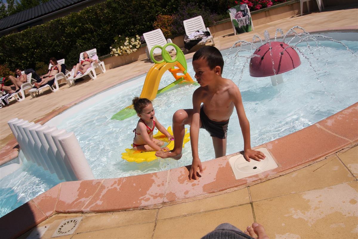 Camping piscine sarzeau golfe du morbihan camping for Camping la piscine bretagne
